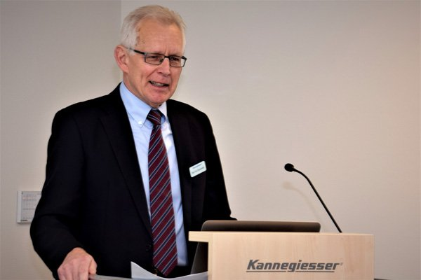 "Prof. Jürgen Gausemeier, Vorstand it's OWL Clusterboard: ""OstWestfalenLippe ist eine internationale High-Tech-Region""."